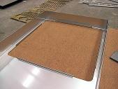 看板の部品ステンレス1.5mmのレーザー切断&8ヶ所曲げ