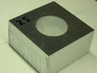 アルミ25tのレーザー切断加工