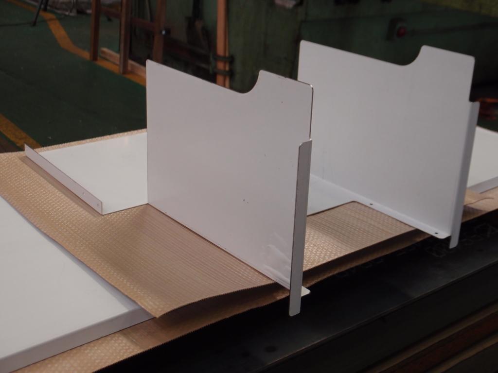 ステンレス両面研磨品のレーザー切断・曲げ加工